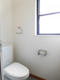 トイレにも小窓があります