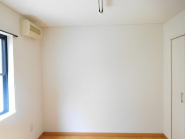 別角度の洋室