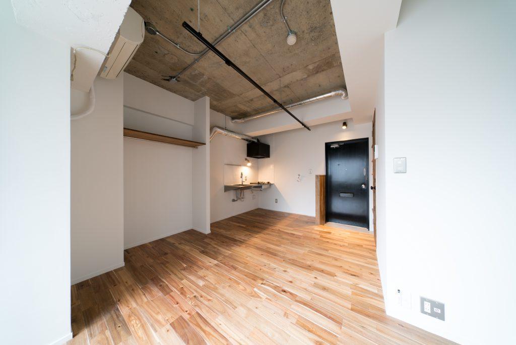 天井のコンクリート剥き出しがこだわりです。