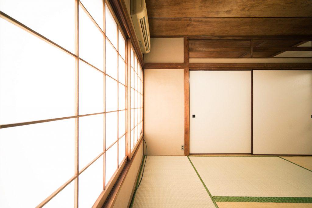 和室6畳。光がきれいに入ります。