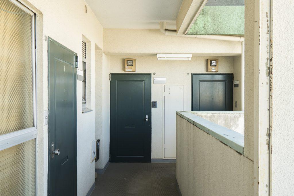 階によって色が違う扉 ここは緑でした(外観)