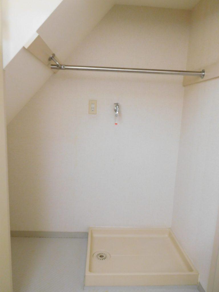 キッチンにある洗濯機置き場