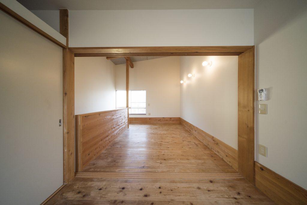 奥の洋室は4.5帖の大きさ。