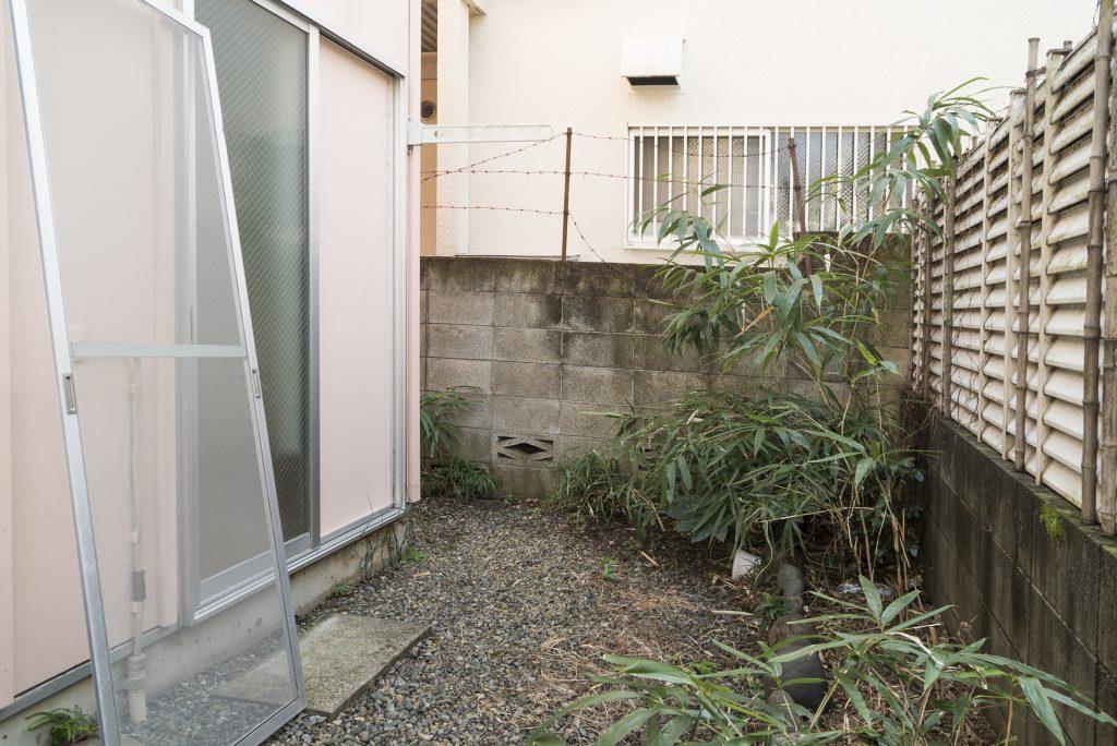 1階キッチンの奥に小庭があります。