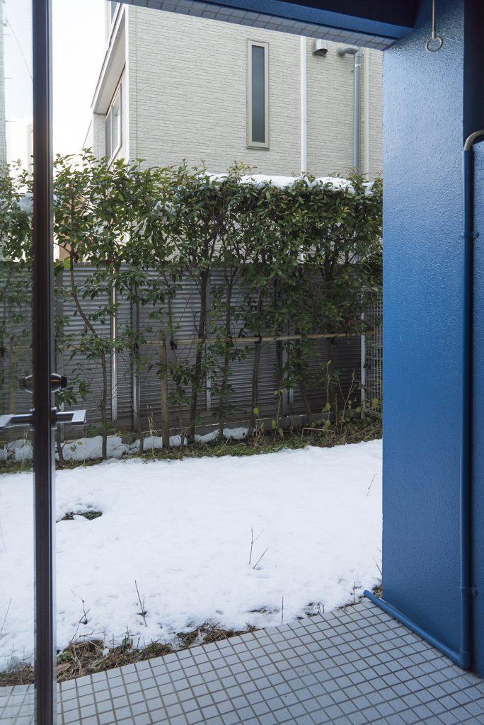 庭の他に洗濯物が干せるスペースもあります。