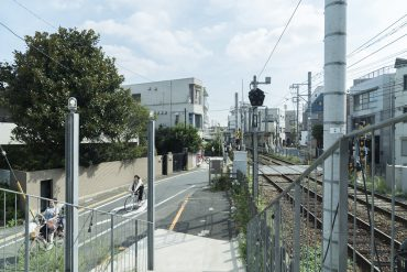 松陰神社の駅の目の前です。