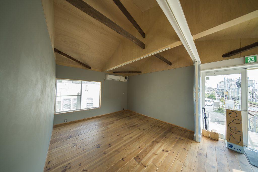PLAT2階のお顔。オープンな空間でいてほしい。