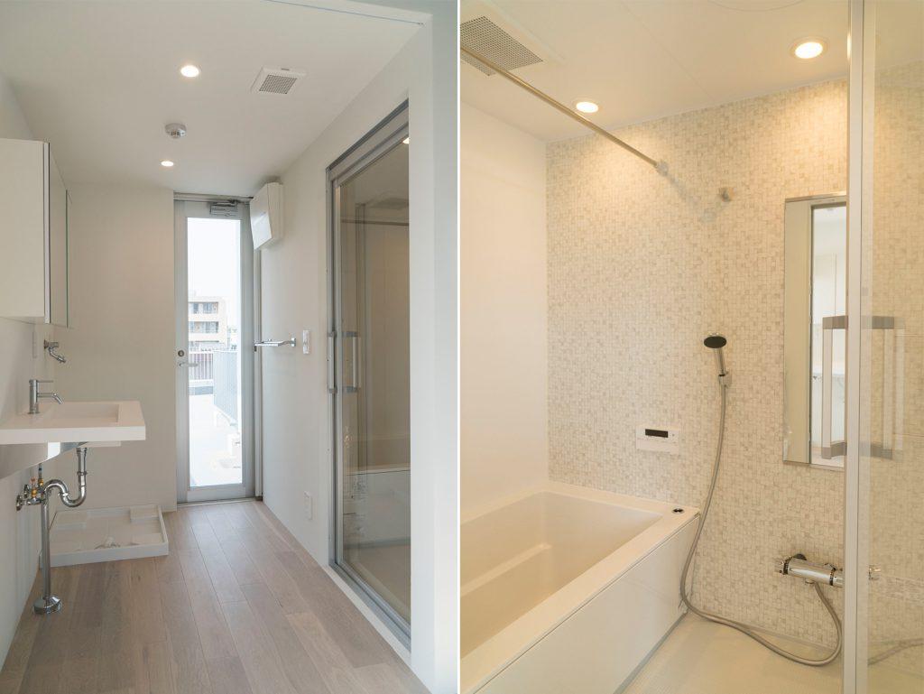 洗面スペースの鏡は収納です、お風呂もひろい!(風呂)