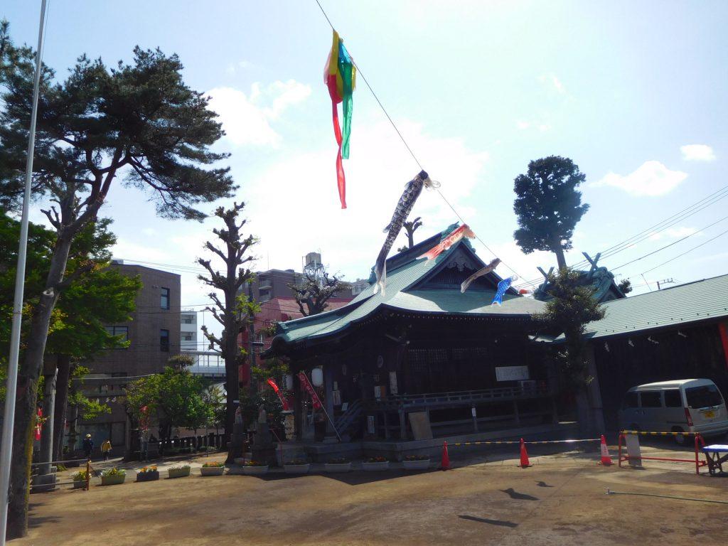 お部屋の裏に稲荷神社