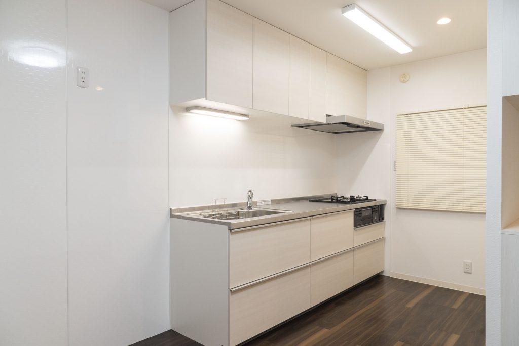キッチンは大きく、ぴっかぴか!