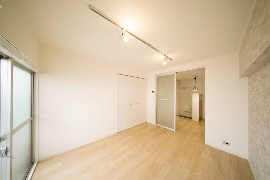 1階1K、コンパクトなサイズながら、きゅうくつさを感じさせないお部屋。