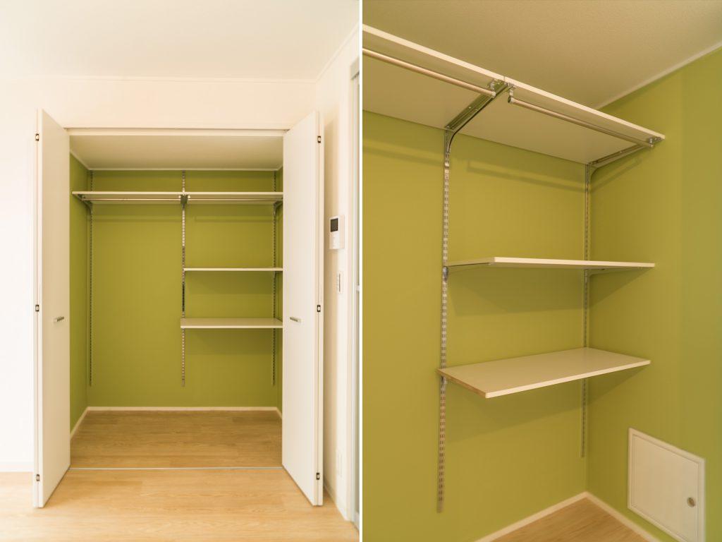 グリーンが映えるクローゼット。棚の高さが自由に調節できます。