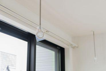 室内には物干し竿リングも付いています。雨の日の洗濯物はここに。