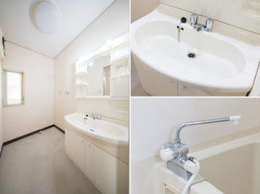 1階にある洗面室。