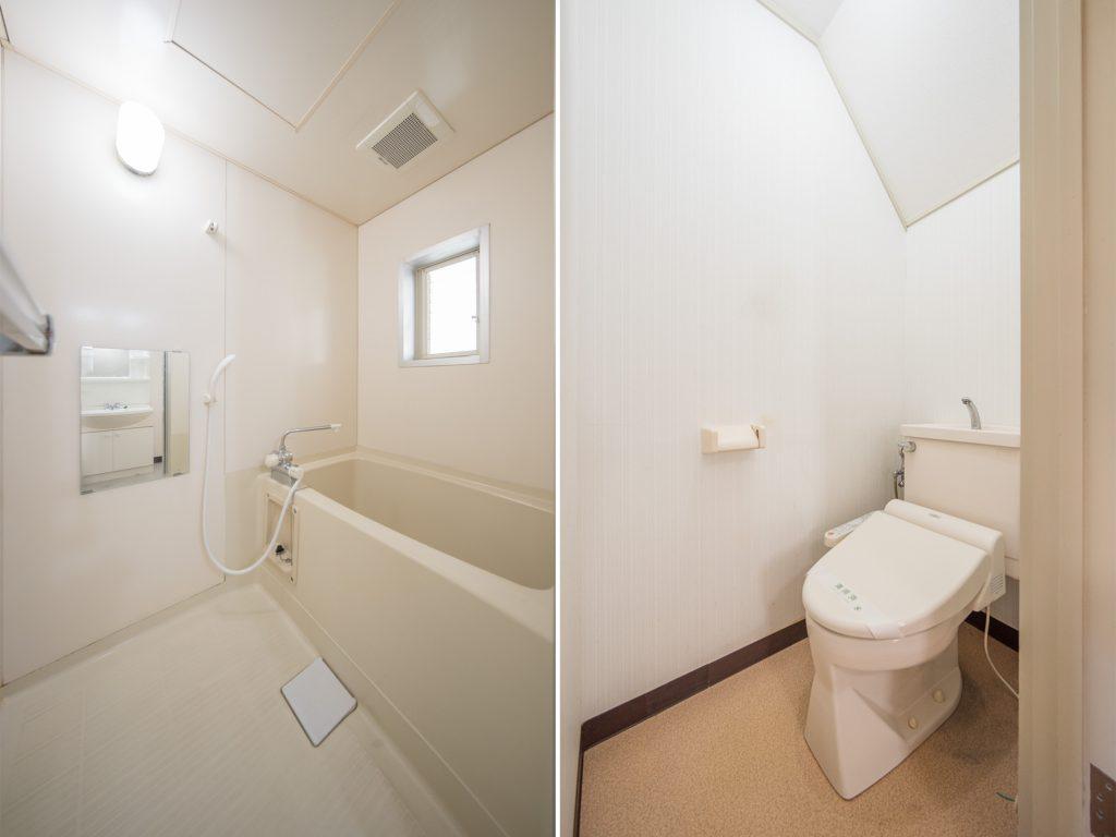 小窓のあるお風呂、階段下のトイレ。