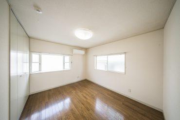 2階、7帖の洋室。
