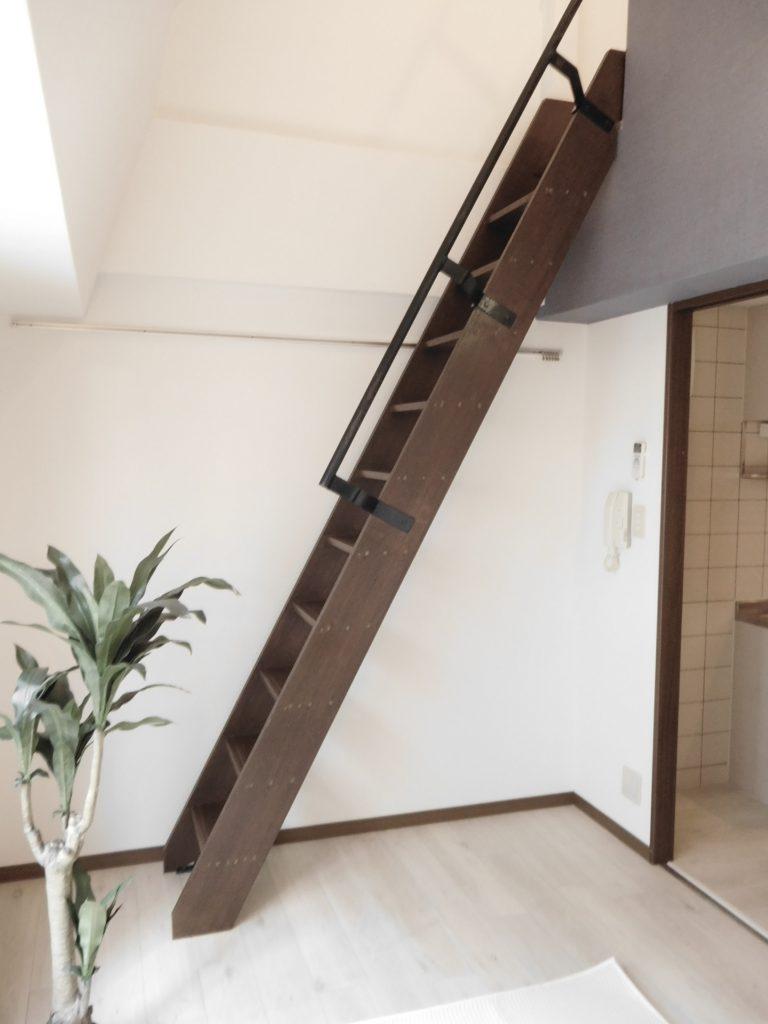 この階段ももはやインテリア