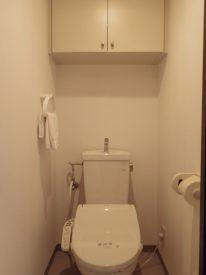 温水洗浄、収納付きトイレ