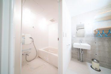 バスルームも合わせて水周りがひとまとまりに。