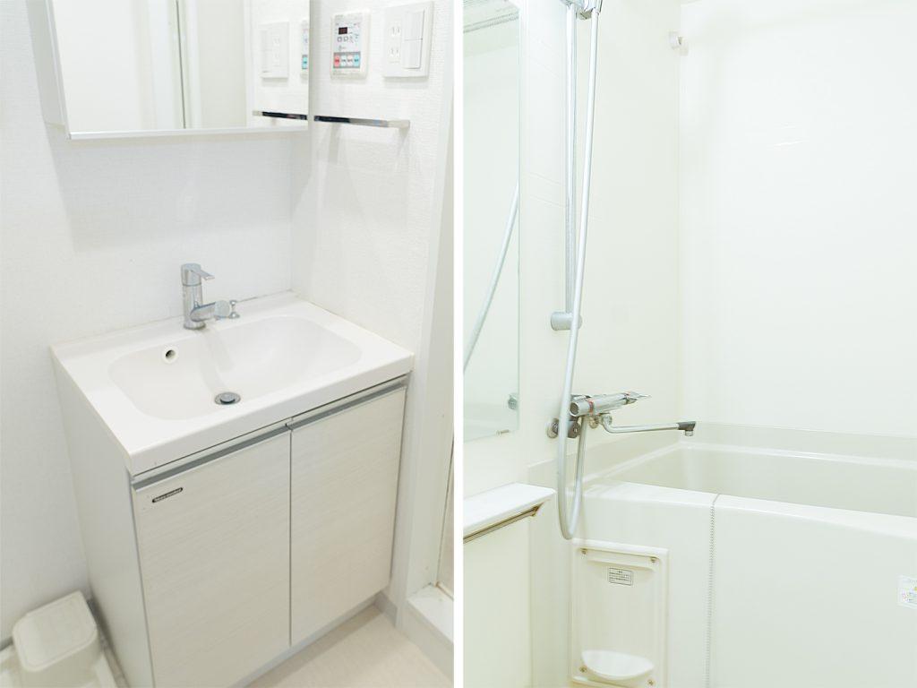 独立洗面台とバスルーム。