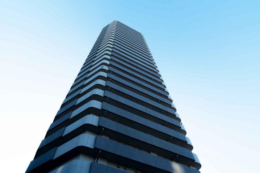駒沢大学駅すぐのタワーマンションです。