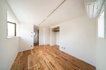 19.00㎡と小さめの部屋ではありますが、キッチンまで潔く抜き、開放感を出しました。