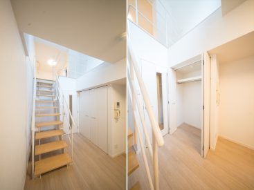階段の横にクローゼットがひとつ。