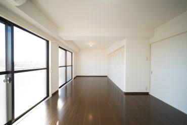 シンプルな間取りと陽当たりがこのお部屋の魅力。