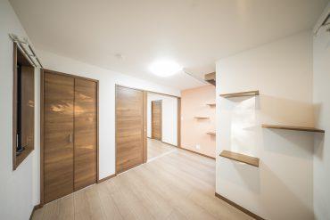 洋室は5.2帖の大きさ。