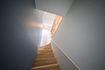 居室までは、室内の階段をかけあがって。