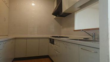 1賃貸では珍しい対面式&コの字型キッチン