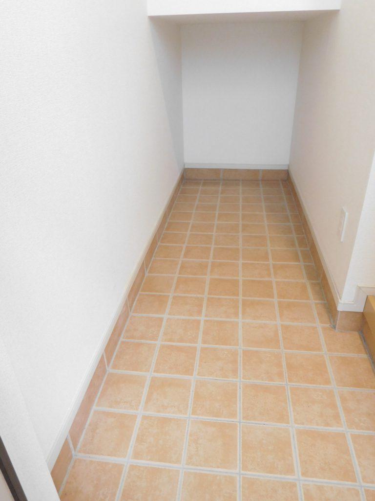 階段下スペースも有効活用☆