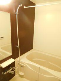 浴室は追い炊き&浴室乾燥機付きです