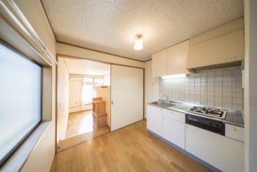 ダイニングキッチンは4.5帖の広さ。