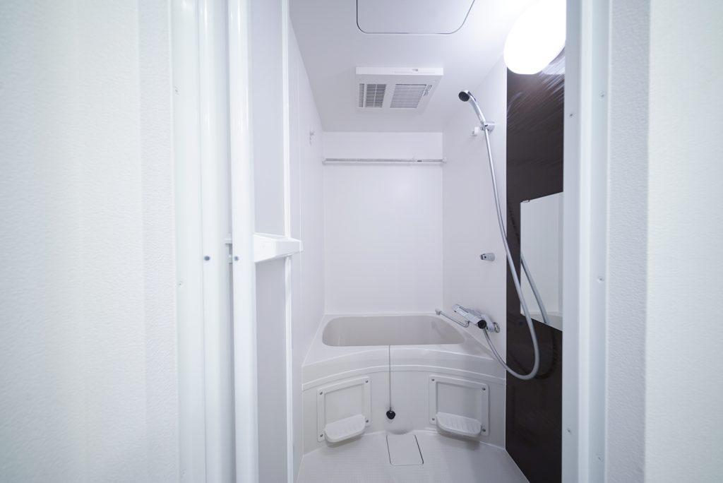 お風呂。浴室乾燥機がついています。