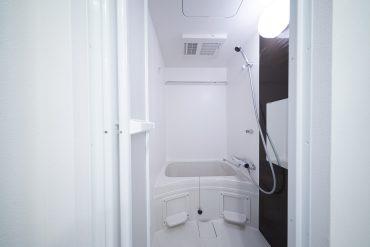 お風呂。浴室乾燥機付き。