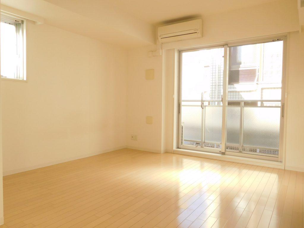 洋室も日当たり良く伸び伸びできます☆