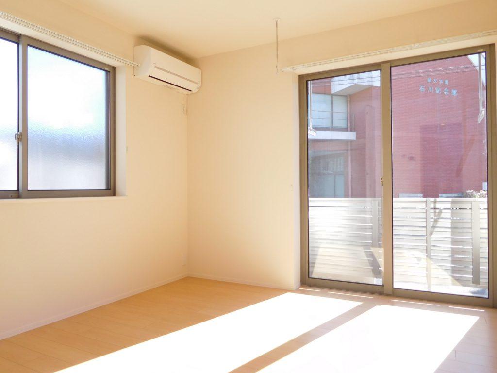 2面採光の居室は日当たり良好です☆