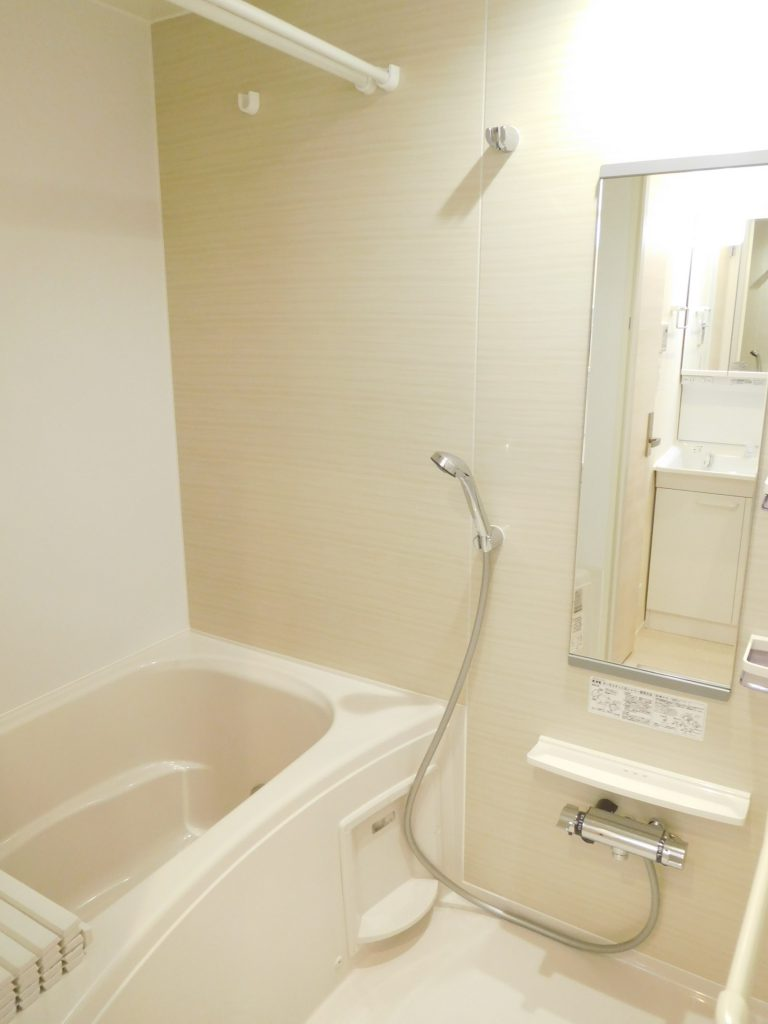 最新設備で清潔感満載の浴室