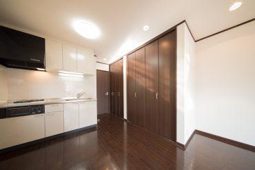 このお部屋の魅力、たっぷりとした収納。