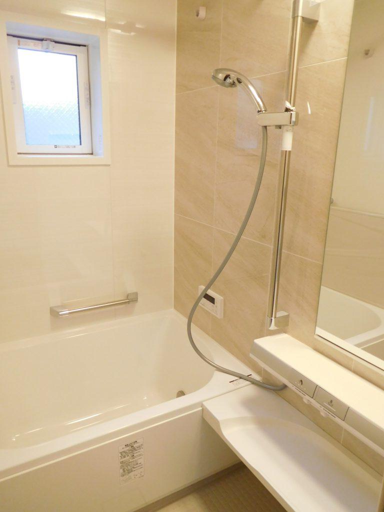 浴室は掃除やメンテナンスがしやすい最新式
