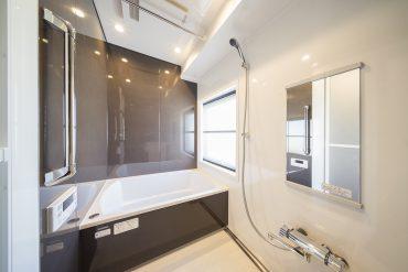 お風呂、広い。しかも綺麗。こんな感想しか浮かばないほど、アッとさせられたお風呂でした。