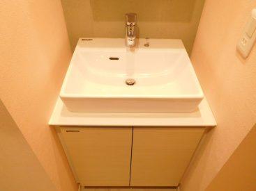 ベッセル式の洗面台もかわいい。