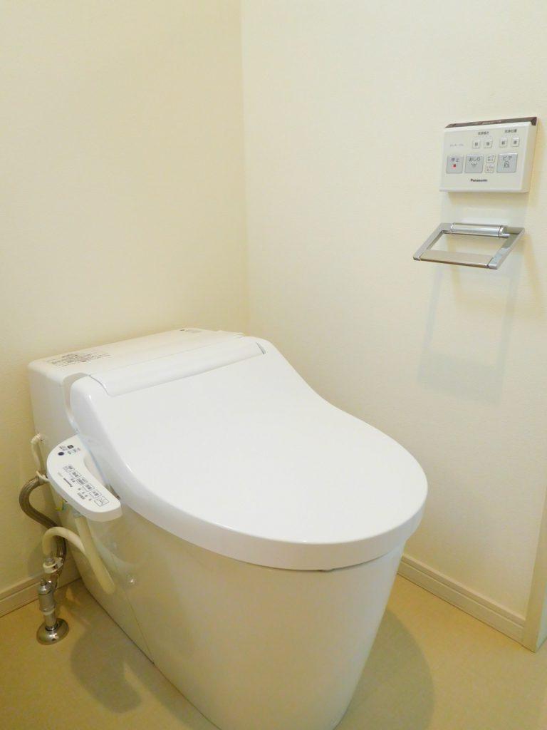 タンクレストイレでお手入れも楽々です