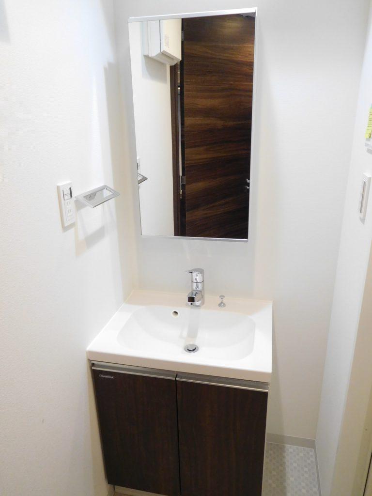 デザインに凝った洗面台はカッコいいですね~