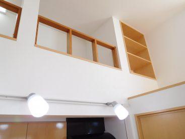 右上に玄関収納2。でもどうやって仕舞うものか・・・