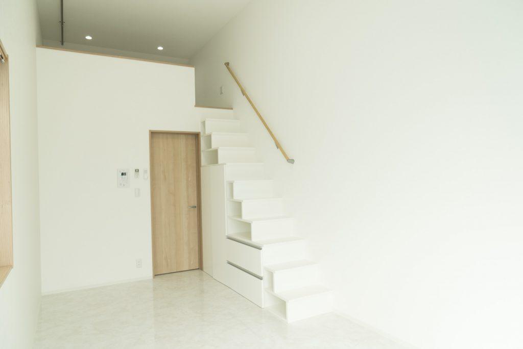白くて清潔感のあるお部屋。(内装)