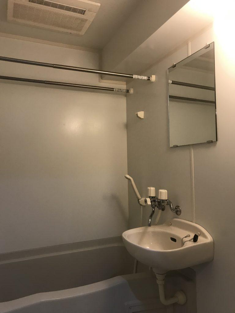 浴室は洗面とセット