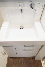 使いやすそうな洗面台ですね