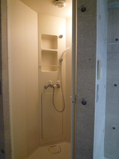 シャワールームです
